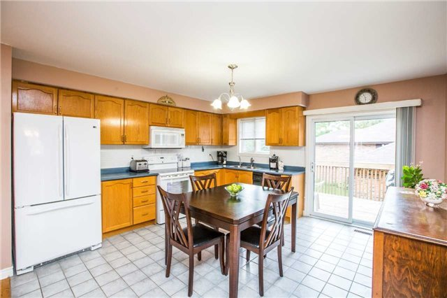 Detached at 1987 Kate Ave, Innisfil, Ontario. Image 12