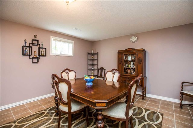 Detached at 1987 Kate Ave, Innisfil, Ontario. Image 3