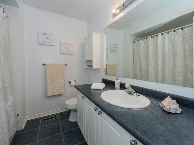 Townhouse at 6 Harmony Rd, Vaughan, Ontario. Image 5