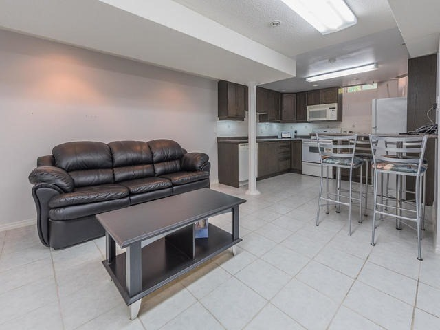 Townhouse at 6 Harmony Rd, Vaughan, Ontario. Image 8