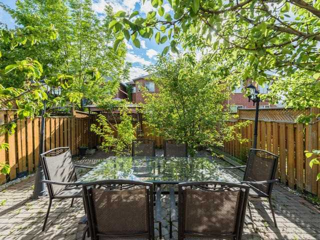 Townhouse at 6 Harmony Rd, Vaughan, Ontario. Image 10