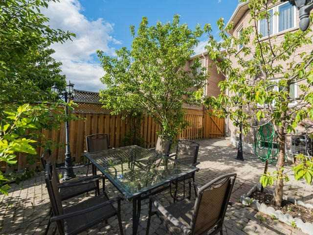 Townhouse at 6 Harmony Rd, Vaughan, Ontario. Image 13