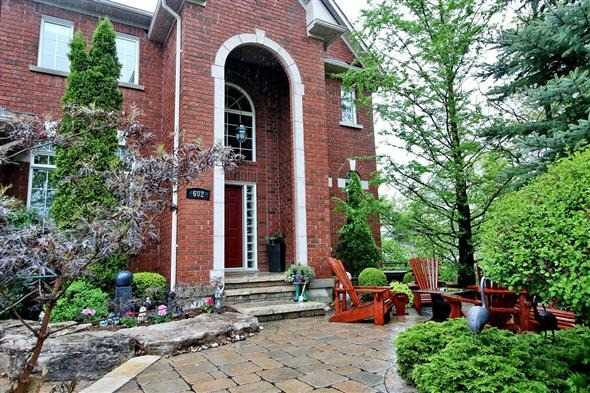 Detached at 602 Foxcroft Blvd, Newmarket, Ontario. Image 14