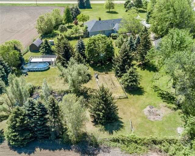 Detached at 7000 11th Line, New Tecumseth, Ontario. Image 14