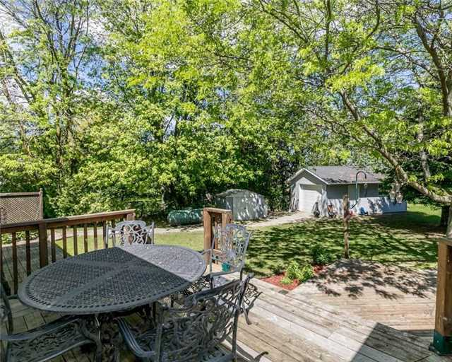 Detached at 7000 11th Line, New Tecumseth, Ontario. Image 16