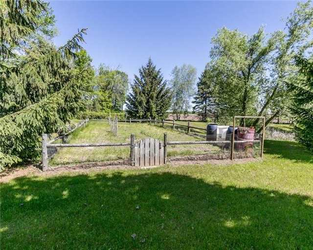 Detached at 7000 11th Line, New Tecumseth, Ontario. Image 18