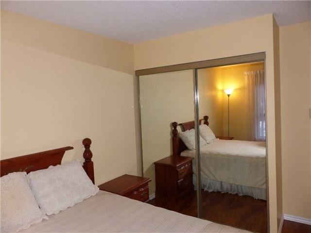 Condo Apartment at 15390 Yonge St, Unit 407, Aurora, Ontario. Image 4