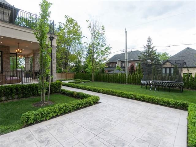Detached at 59 Cardish St, Vaughan, Ontario. Image 10