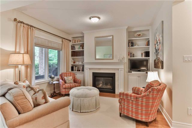 Detached at 66 Braid Bend, Whitchurch-Stouffville, Ontario. Image 19