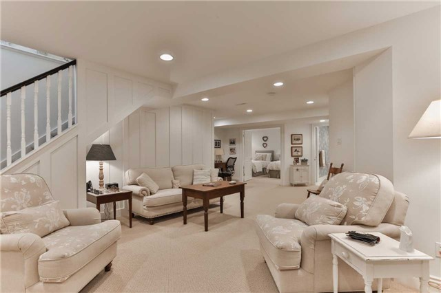 Detached at 66 Braid Bend, Whitchurch-Stouffville, Ontario. Image 7