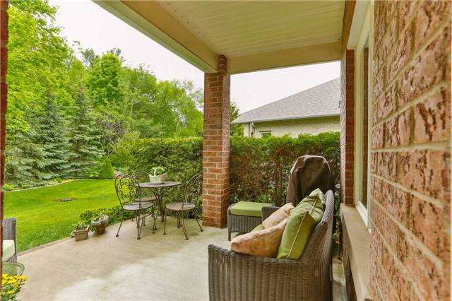 Detached at 66 Braid Bend, Whitchurch-Stouffville, Ontario. Image 10