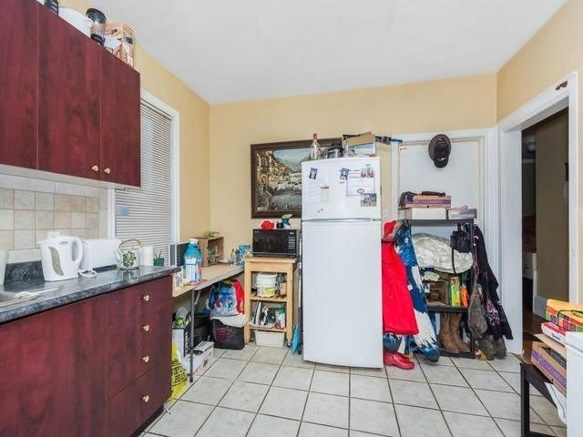 Detached at 4976 Highway 7, Vaughan, Ontario. Image 12