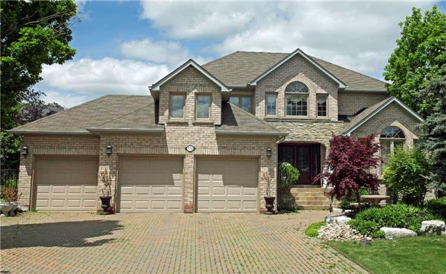 Detached at 102 Roselawn Dr, Vaughan, Ontario. Image 1