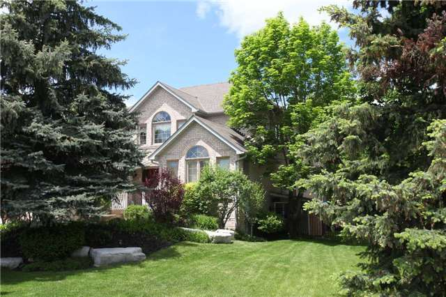 Detached at 102 Roselawn Dr, Vaughan, Ontario. Image 12
