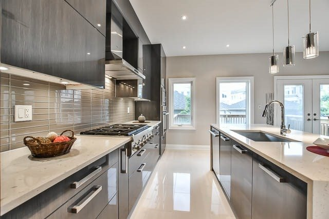 Townhouse at 8 Point Pelee Lane, Richmond Hill, Ontario. Image 17