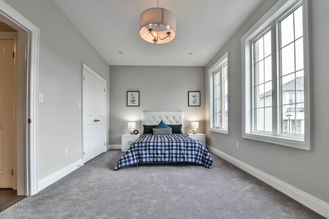 Townhouse at 8 Point Pelee Lane, Richmond Hill, Ontario. Image 3