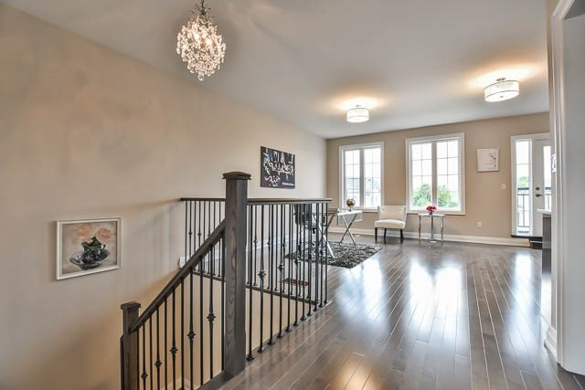 Townhouse at 8 Point Pelee Lane, Richmond Hill, Ontario. Image 4