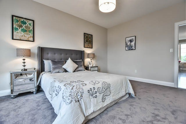 Townhouse at 8 Point Pelee Lane, Richmond Hill, Ontario. Image 6