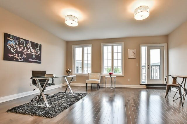 Townhouse at 8 Point Pelee Lane, Richmond Hill, Ontario. Image 7