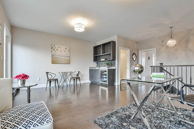 Townhouse at 8 Point Pelee Lane, Richmond Hill, Ontario. Image 9