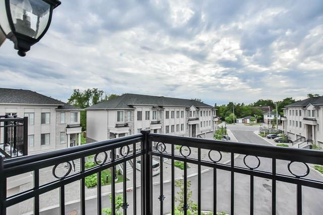 Townhouse at 8 Point Pelee Lane, Richmond Hill, Ontario. Image 10
