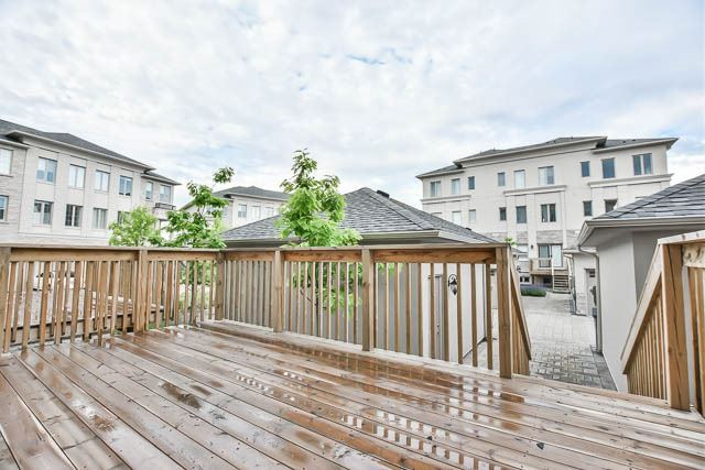 Townhouse at 8 Point Pelee Lane, Richmond Hill, Ontario. Image 11