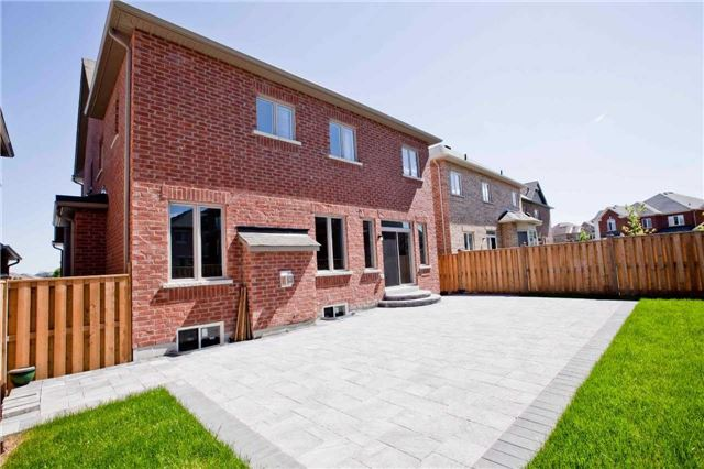 Detached at 18 Bracknell Ave, Markham, Ontario. Image 11