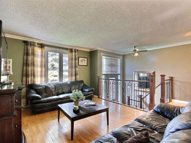 Detached at 276 Plymouth Tr, Newmarket, Ontario. Image 14