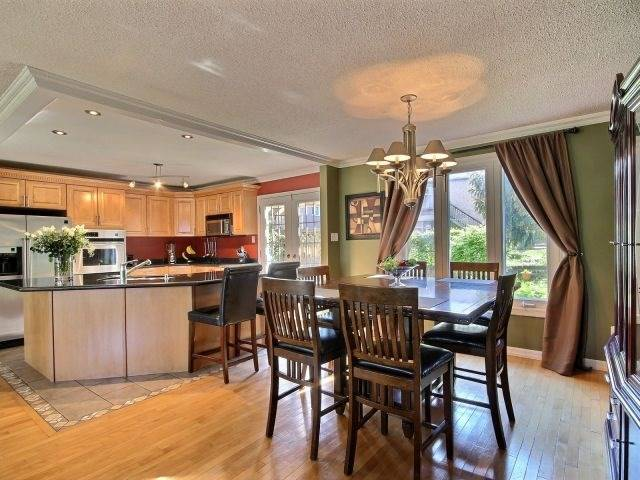 Detached at 276 Plymouth Tr, Newmarket, Ontario. Image 17