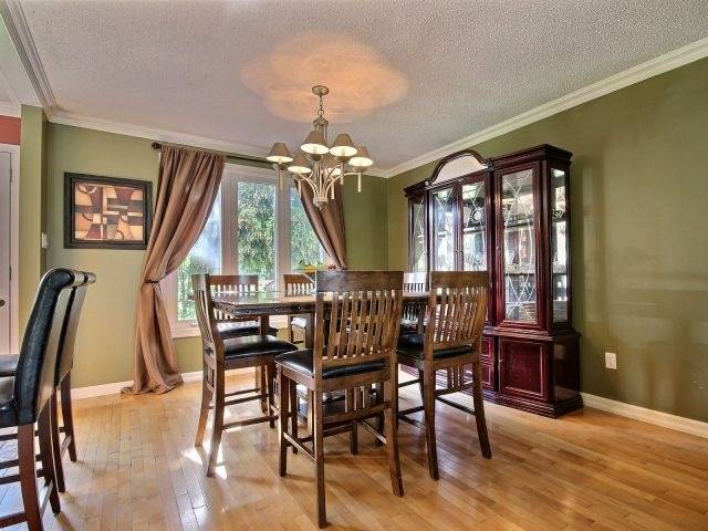 Detached at 276 Plymouth Tr, Newmarket, Ontario. Image 18