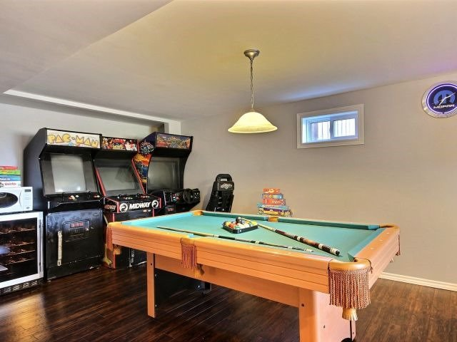 Detached at 276 Plymouth Tr, Newmarket, Ontario. Image 6