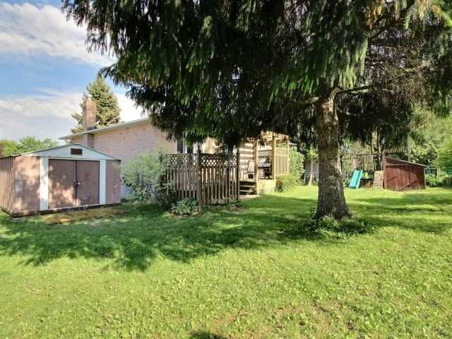 Detached at 276 Plymouth Tr, Newmarket, Ontario. Image 13