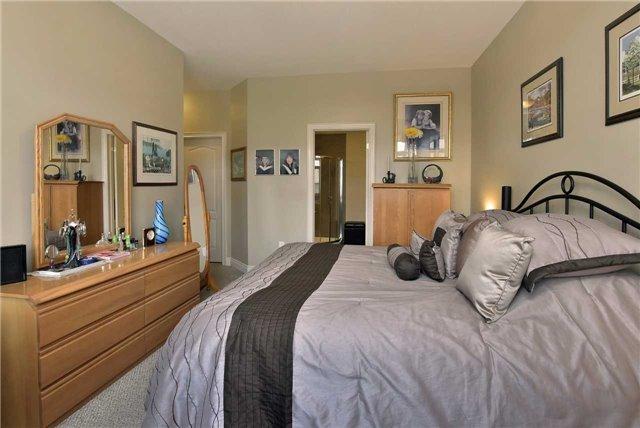 Condo Apartment at 2 Briar Hill Hts, Unit 309, New Tecumseth, Ontario. Image 7