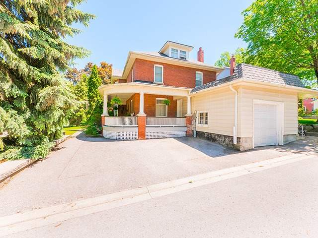 Detached at 430 Tecumseth St, Newmarket, Ontario. Image 10