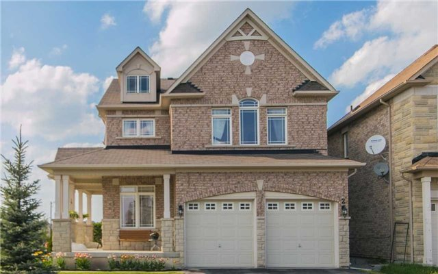 Detached at 2 Shale Cres, Vaughan, Ontario. Image 1