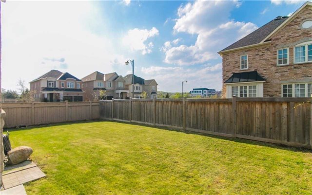 Detached at 2 Shale Cres, Vaughan, Ontario. Image 11