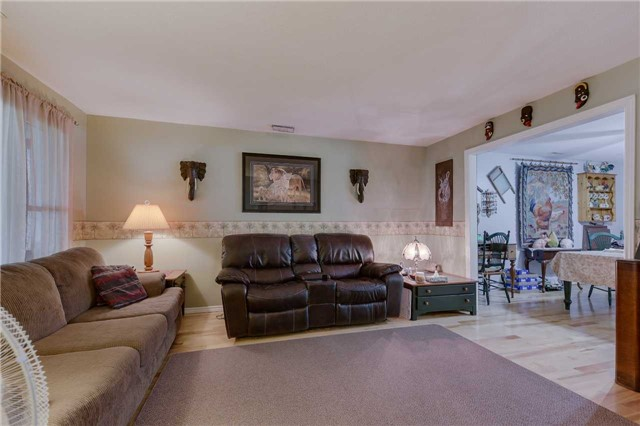 Detached at 254 Bayshore Rd, Innisfil, Ontario. Image 18