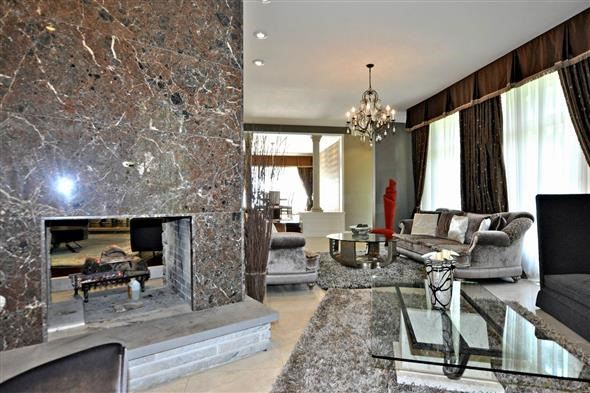 Detached at 300 Woodland Acres Cres, Vaughan, Ontario. Image 12