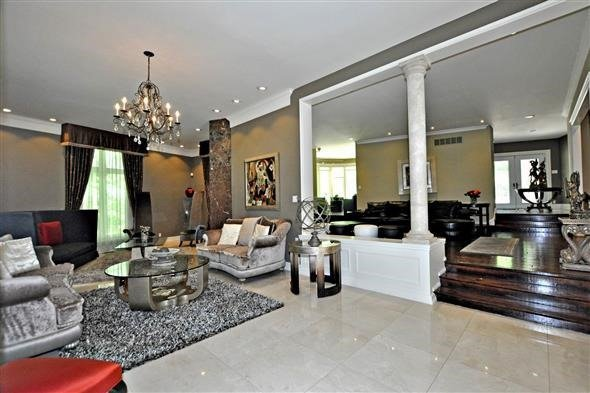 Detached at 300 Woodland Acres Cres, Vaughan, Ontario. Image 14