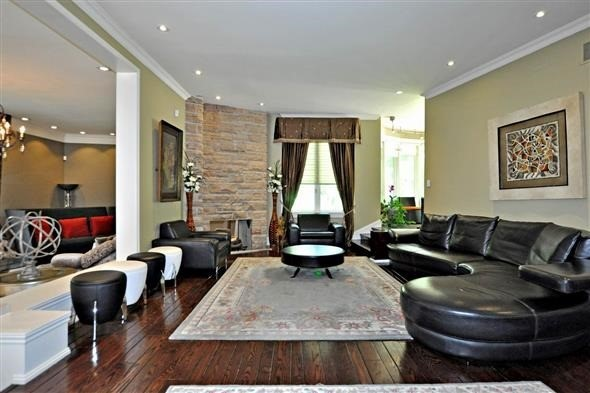Detached at 300 Woodland Acres Cres, Vaughan, Ontario. Image 15