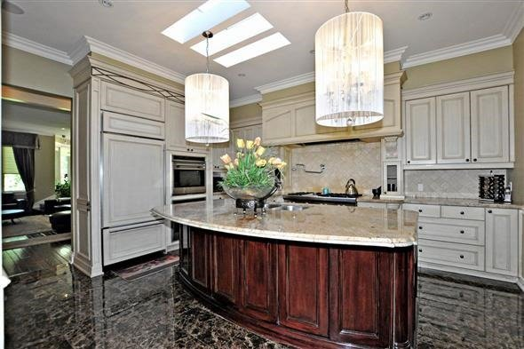 Detached at 300 Woodland Acres Cres, Vaughan, Ontario. Image 18