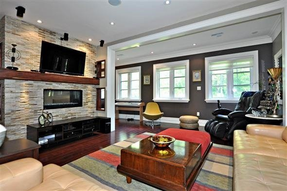 Detached at 300 Woodland Acres Cres, Vaughan, Ontario. Image 3