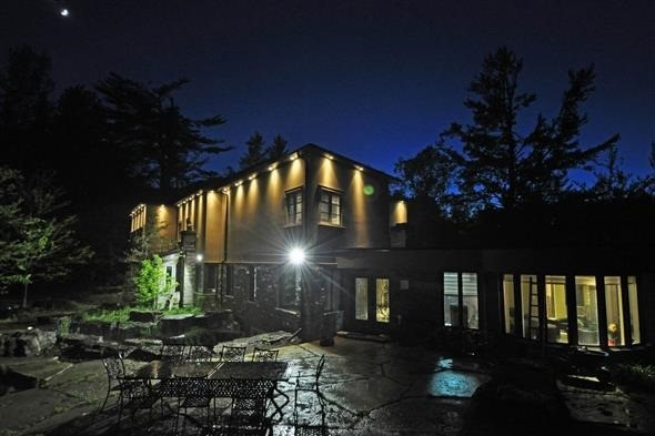 Detached at 300 Woodland Acres Cres, Vaughan, Ontario. Image 13