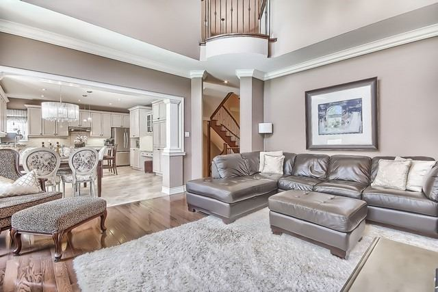 Detached at 11 Edmund Seager Dr, Vaughan, Ontario. Image 4