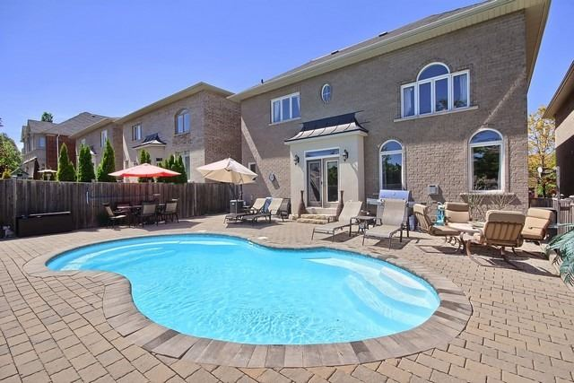 Detached at 11 Edmund Seager Dr, Vaughan, Ontario. Image 11