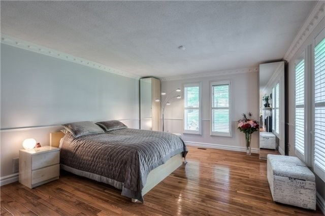 Detached at 11 Marcus Crt, Vaughan, Ontario. Image 3
