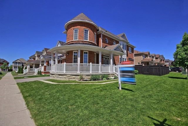 Detached at 15 Mantle Ave, Whitchurch-Stouffville, Ontario. Image 12