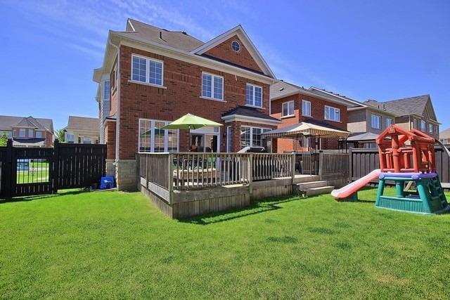 Detached at 15 Mantle Ave, Whitchurch-Stouffville, Ontario. Image 13