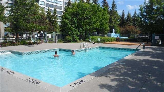Condo Apartment at 120 Promenade Circ, Unit 1002, Vaughan, Ontario. Image 13