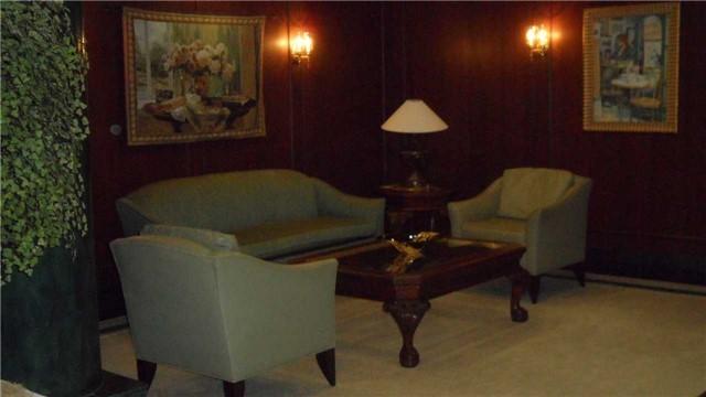 Condo Apartment at 120 Promenade Circ, Unit 1002, Vaughan, Ontario. Image 15